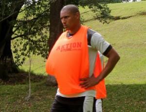 Volante Sidnei é um dos nove jogadores lesionados do Fantasma (Foto: Rodrigo de Souza/Operário-PR)