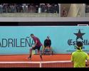"""Kyrgios """"imita"""" Federer com lob entre as pernas, mas leva virada de Nishikori"""