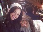 Bruna Marquezine e irmã de Neymar curtem frio em Barcelona