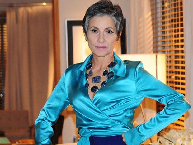 Cassia conta que faz tudo com intensidade (Foto: Amor Eterno Amor / TV Globo)