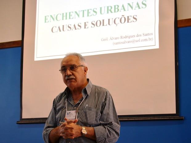 Álvaro Rodrigues dos Santos apresenta palestra na SBPC (Foto: Stefhanie Piovezan/G1)