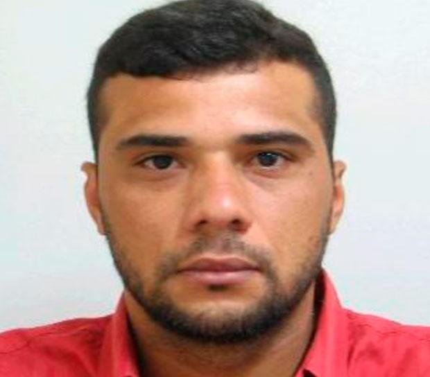 Márcio Valério de Medeiros, 33 anos, é considerado foragido pela Polícia Federal  (Foto: Divulgação/Polícia Federal do RN)