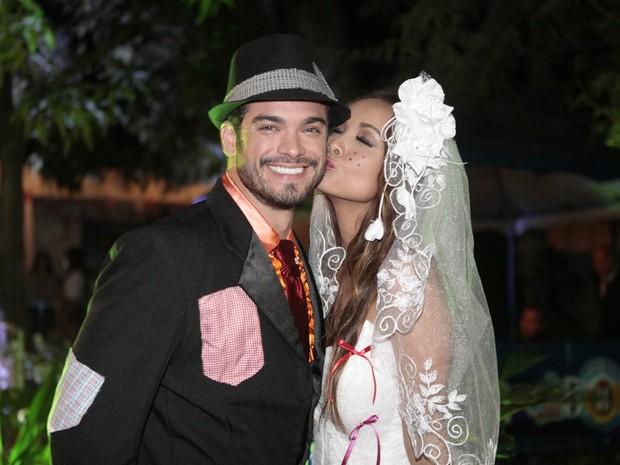 Sidney Sampaio e Carol Nakamura em evento no Rio (Foto: Isac Luz/ EGO)