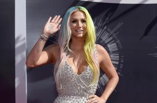 VMA - Kesha (Foto: Reuters)