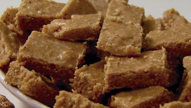 Aprenda a fazer uma deliciosa Paçoca de Amendoim com Leite (Foto: Divulgação/RPC)