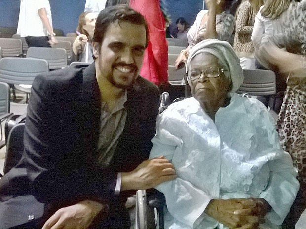 Mãe Stella e Emanuel Mirdad Bahia (Foto: Lílian Marques/ G1)