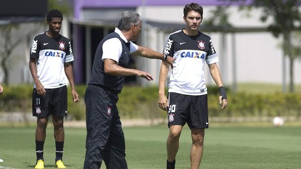 Tite orienta Gil Paulo André treino Corinthians (Foto: Daniel Augusto Jr / Agência Corinthians)