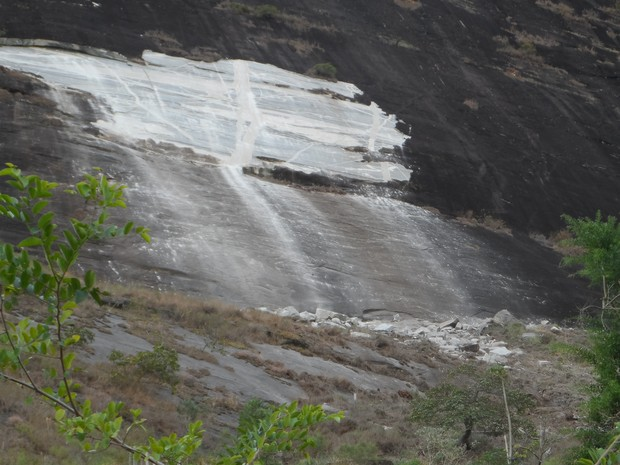 Bloco de rocha Posse, Petrópolis (Foto: Fernanda Soares/G1)
