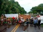 Indígenas bloqueiam rodovias no RS em protesto contra a PEC 215