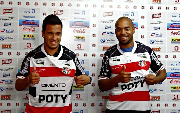 Tiago Costa e Leandro Oliveira - Santa Cruz (Foto: Pedro Costa/Globoesporte.com/PE)