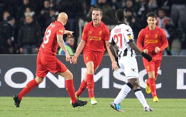 Henderson comemora gol do Liverpool contra a Udinese (Foto: Agência AFP)