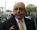Operação contra fraudes apreende documentos na sede do Milan