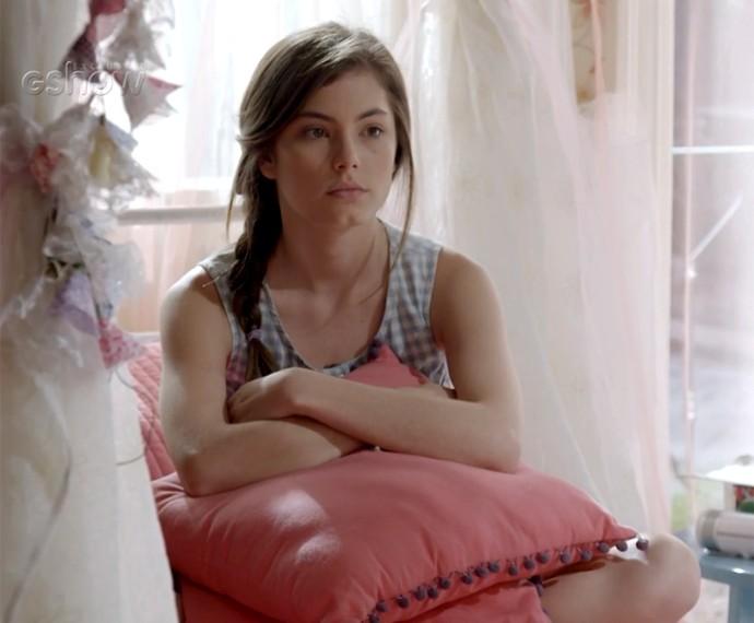 Bianca se preocupa com a possibilidade de Nat estar viva (Foto: Gshow)