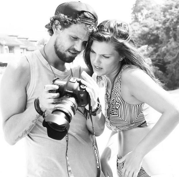 Pâmela Tomé com o namorado, o fotógrafo Eduardo Pimenta (Foto: Reprodução/Instagram)