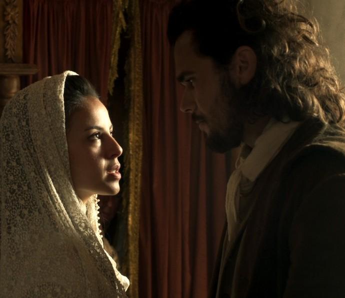 Xavier pede que Joaquina aceite conversar com ele (Foto: TV Globo)