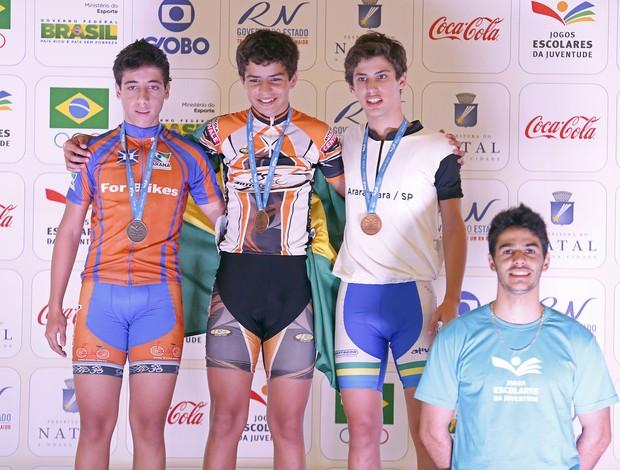 Simon Girão, ouro no ciclismo dos Jogos Escolares da Juventude Natal - pódio da prova (Foto: Wander Roberto/Inovafoto/COB)