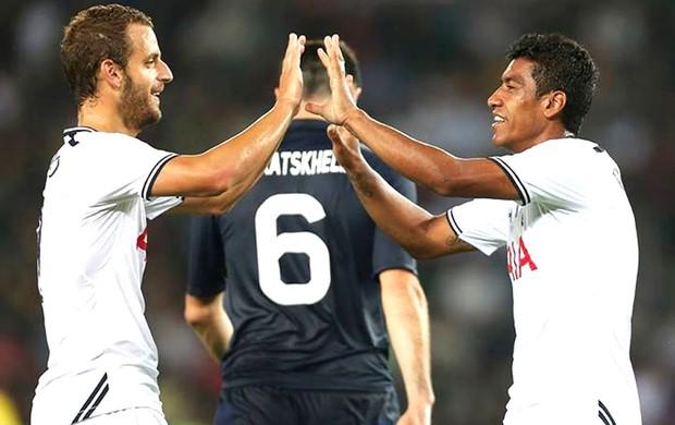 Paulinho Tottenham  (Foto: Reprodução / Facebook Tottenham)