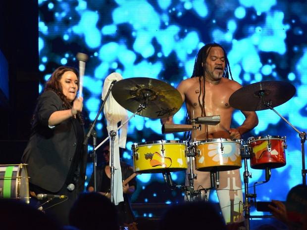 Ana Carolina e Carlinhos Brown em show em Salvador, na Bahia (Foto: Felipe Souto Maior/ Ag. News)