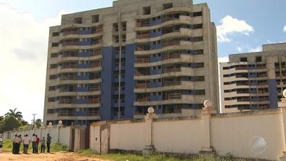Proprietários de imóveis esperam há cinco anos por entrega de apartamentos