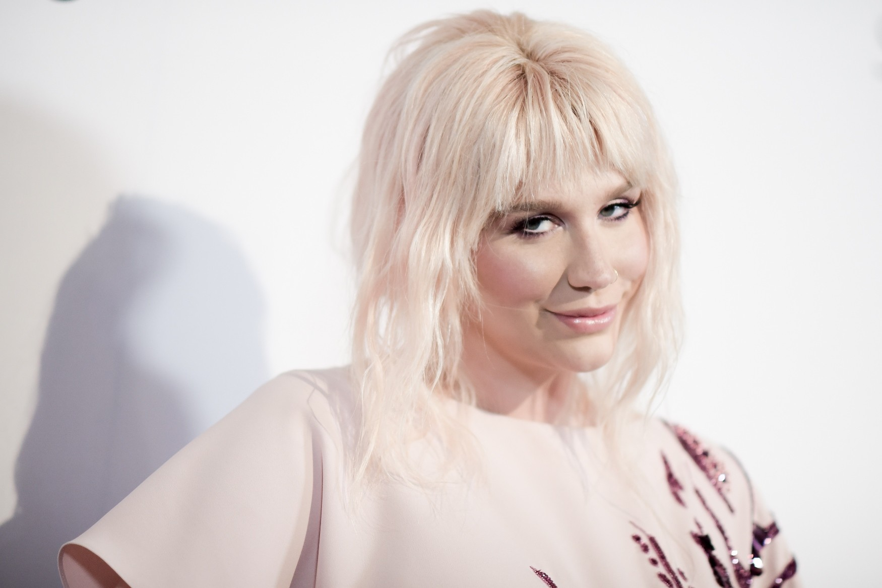 Kesha  proibida por gravadora de Dr. Luke a se apresentar em premiao (Foto: Richard Shotwell/Invision/AP)