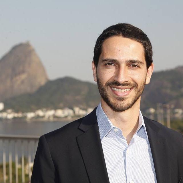 Ronaldo Lemos, um dos criadores do Marco Civil da Internet no Brasil, considera a proibição do WhatsApp inconstitucional (Foto: Reprodução / Twitter)