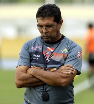 Vitor Jayme, técnico do Gavião Kyikatejê (Foto: Marcelo Seabra/O Liberal)