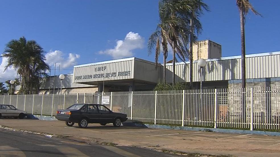 Escolas públicas de Marília estão sem zeladores (Foto: Reprodução/TV TEM)