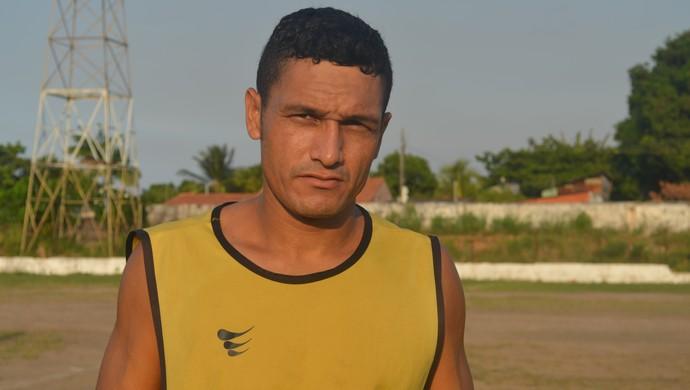 Hugo Deleon,lateral são raimundo (Foto: Weldon Luciano/GloboEsporte.com)