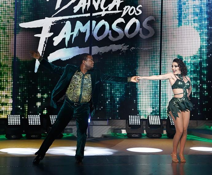 Érico Brás dançou ao lado da bailarina Gabrielle Cardoso (Foto: Inácio Moraes/Gshow)