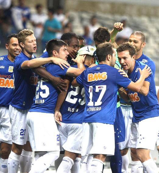 """""""já é campeão"""" (Luiz Costa / Agência estado)"""