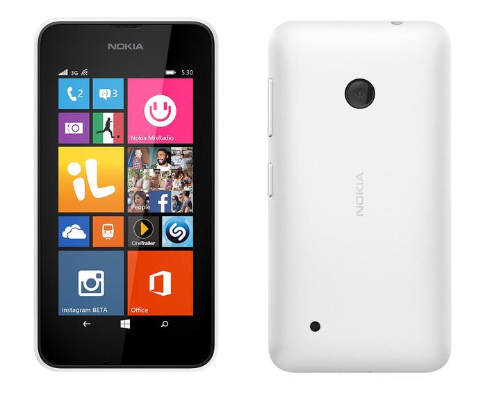 Lumia 530 é mais novo, porém mais em conta (Foto: Divulgação)