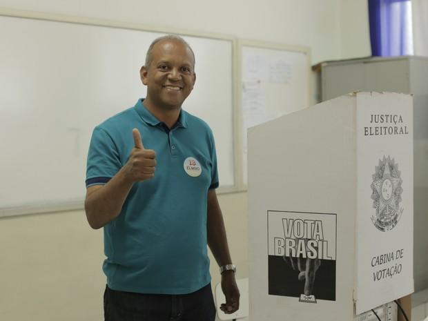 Eloísio do Carmo Lourenço (PT) vota em Poços de Caldas (MG). (Foto: Karina Sales)
