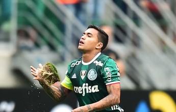 Tufos de grama se soltam na arena do Palmeiras após sobrecarga de eventos