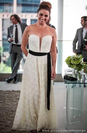 Giovanna Antonelli vestida de noiva  (Foto: Salve Jorge / TV Globo)