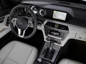 Mercedes-Benz C 250 Turbo Sport Coupé (Foto: Divulgação)