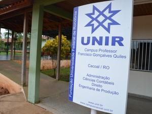Direção garante que aulas voltam até o final desta semana (Foto: Magda Oliveira/G1)