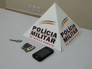 Material recuperado de roubo no Bairro Iguaçu (Foto: Polícia Militar/Divulgação)