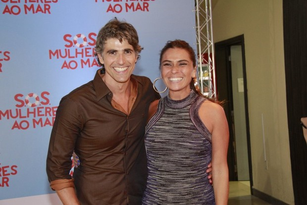 Reynaldo Gianecchini e Giovanna Antonelli em pré-estreia no Rio (Foto: Isac Luz / EGO)