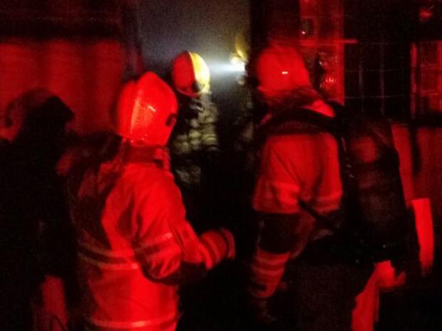 Bombeiros apagam incêndio em casa de Ceilândia Sul (Foto: Corpo de Bombeiros/Divulgação)
