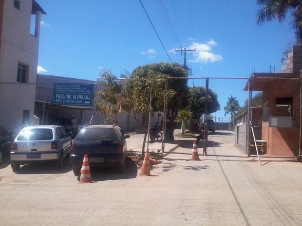 As denúncias partiram de agentes que trabalham no Presídio Alvorada em Montes Claros (Foto: Henrique Corrêa/G1)