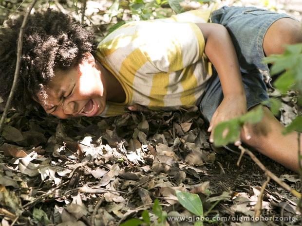 Nilson é mordido por uma cobra (Foto: Além do Horizonte/TV Globo)