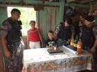 Menino de 8 anos celebra aniversário com policiais do Bope, no Amapá
