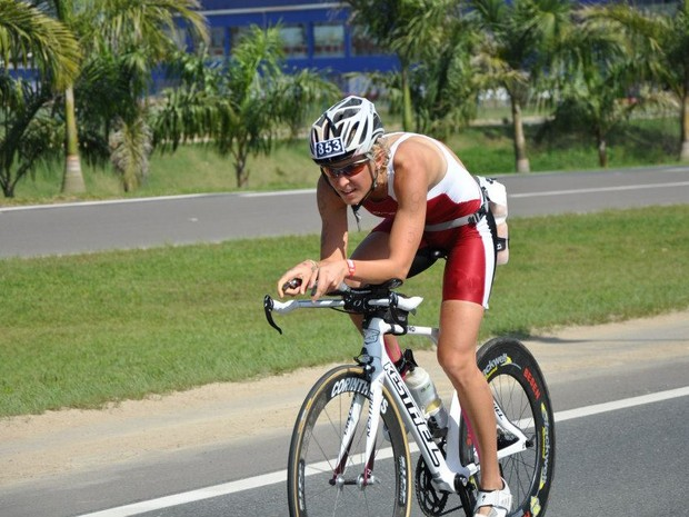 Ina participava de competições de triatlo ao redor do mundo (Foto: Ina Østrøm/Arquivo Pessoal)