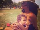 Aline Wirley amamenta o filho em parque: 'Sobre amor, sobre amar'