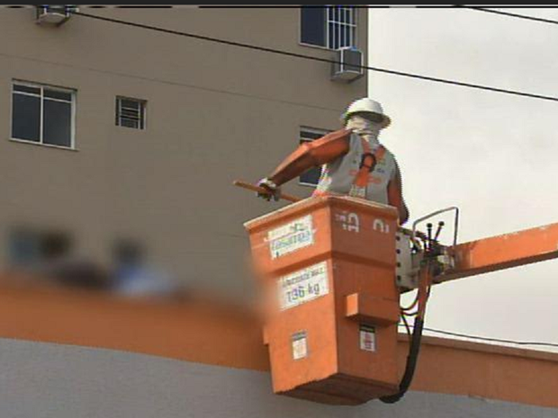 Perícia Forense informou que o rapaz pisou na cerca elétrica e morreu em seguida. (Foto: Reprodução/TV Verdes Mares)