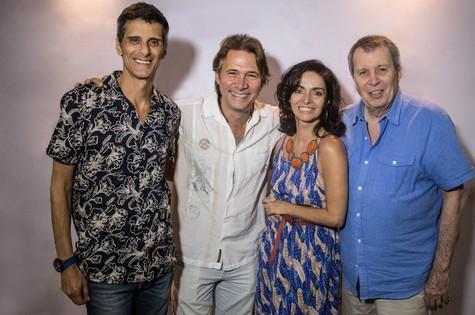 Daniel Filho posa com Alonso Barros, Claudia Ohana e Nelson Freitas (Foto: Divulgação)