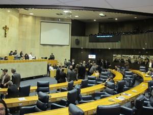Vereadores durante a votação da operação urbana nesta terça (Foto: Roney Domingos/G1)