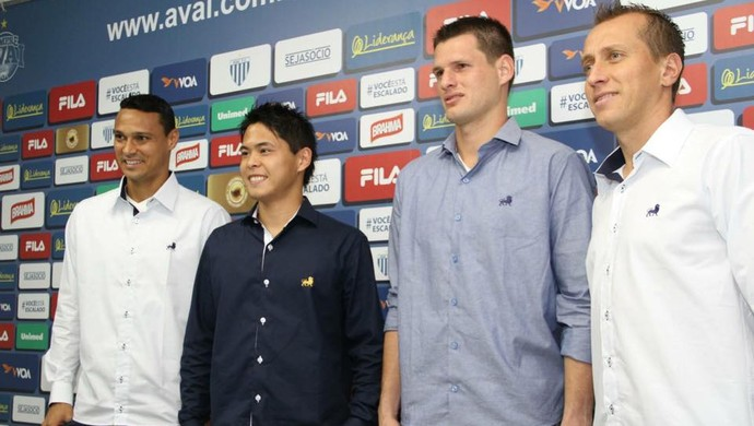 Avaí camisas sociais (Foto: Jamira Furlani/Avaí FC)