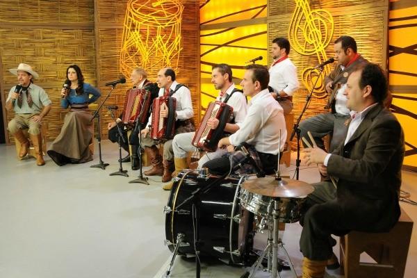 Músicos no Galpão em homenagem a Adelar Bertussi (Foto: Daniel Gebauer/Divulgação)