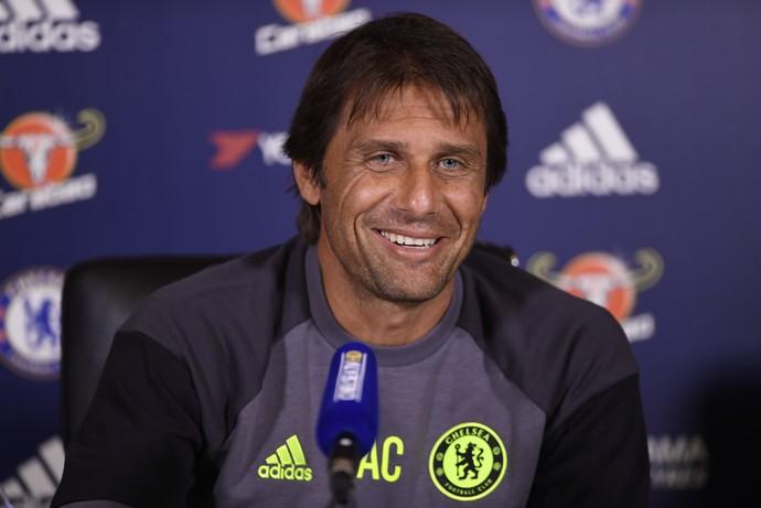 Antonio Conte técnico Chelsea (Foto: Reuters)